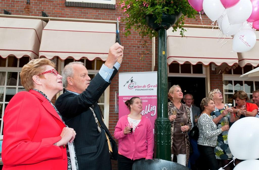 Jan Hoekema, burgemeester van Wassenaar  lanceert de Corien de Groot Foundation